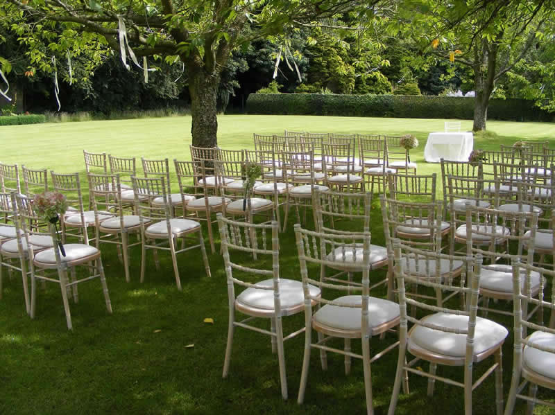 Garden - chairs on the lawn